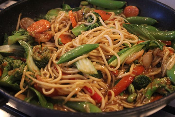 Meatless Mondays: Inspiralized Vegetable Lo-Mein | Inspiralized