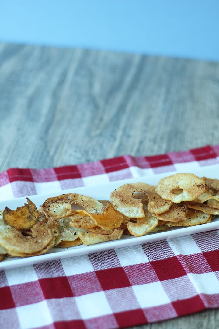 Crispy Baked Potato Chips with Sriracha Garlic Yogurt Dip