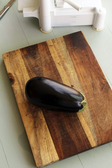 How to Spiralize an Eggplant: Eggplant Noodles
