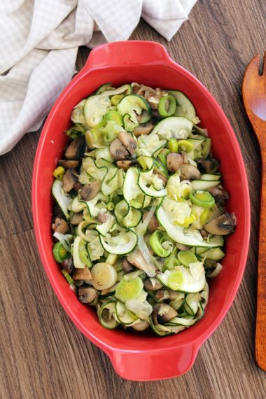 Garlic Zucchini Noodles with Leeks, Mushrooms and Light Gravy