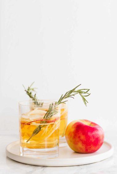 Sparkling Apple Cider Cocktail
