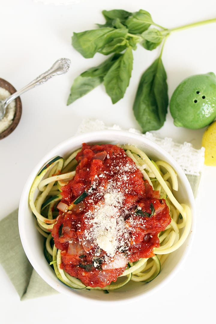 Easy Pomodoro Sauce with Zucchini Noodles