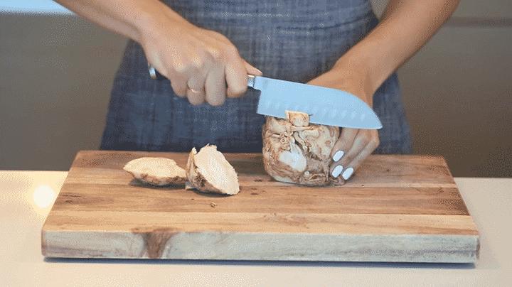 Peeling a Celeriac