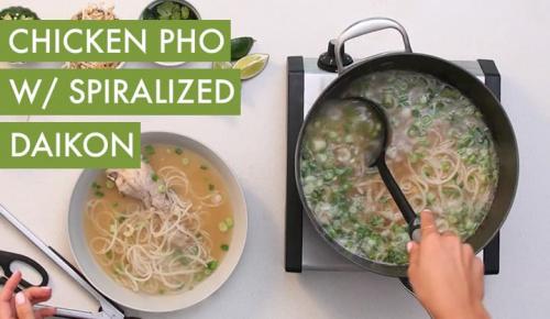 #EverydayInspiralized: Chicken Pho with Spiralized Daikon
