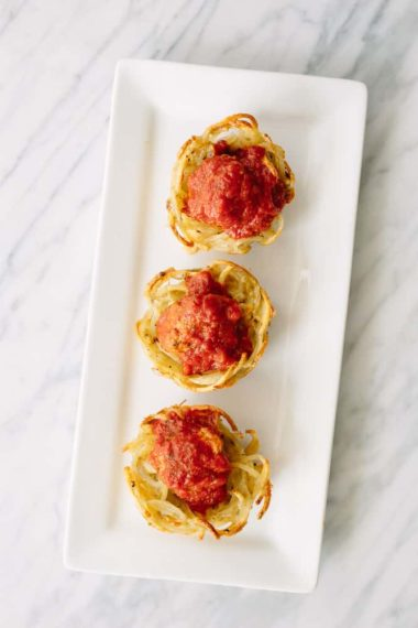 Spiralized Potato Noodle Cups with Meatballs and Tomato Sauce