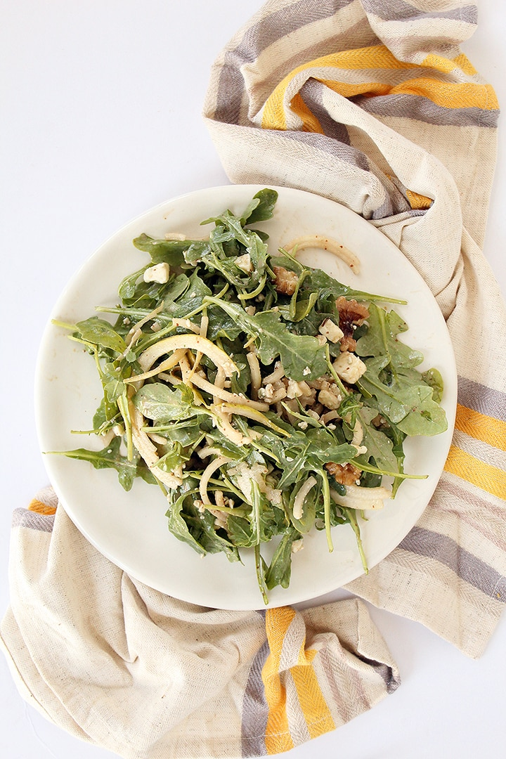 PEAR NOODLE AND ARUGULA SALAD WITH BLUE CHEESE