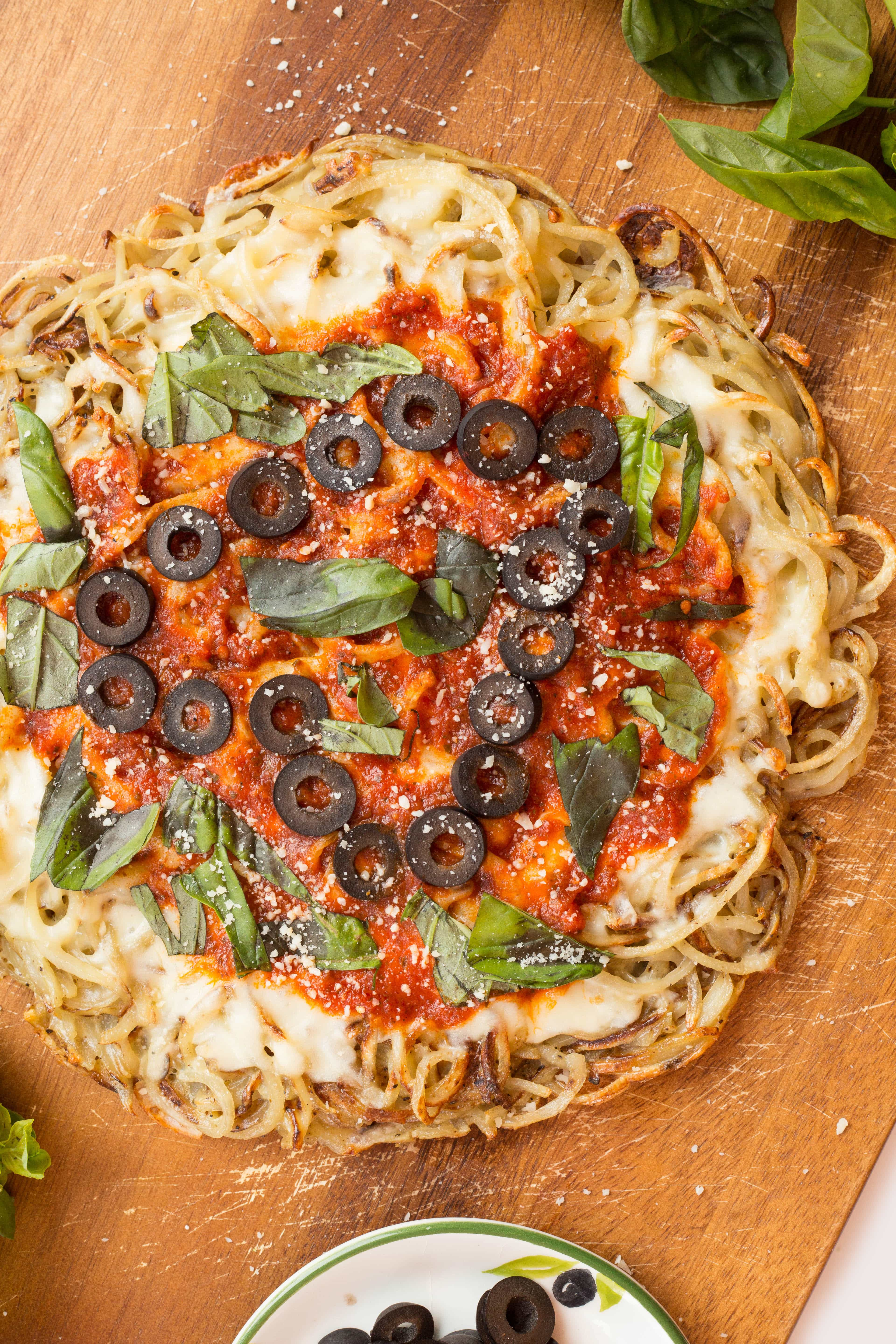 Spiralized Margherita Pizza with Olives and Basil