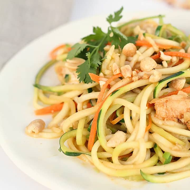 Asian Peanut Zucchini Noodles with Chicken