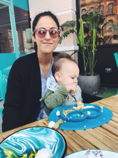 tips for eating at restaurants with an infant