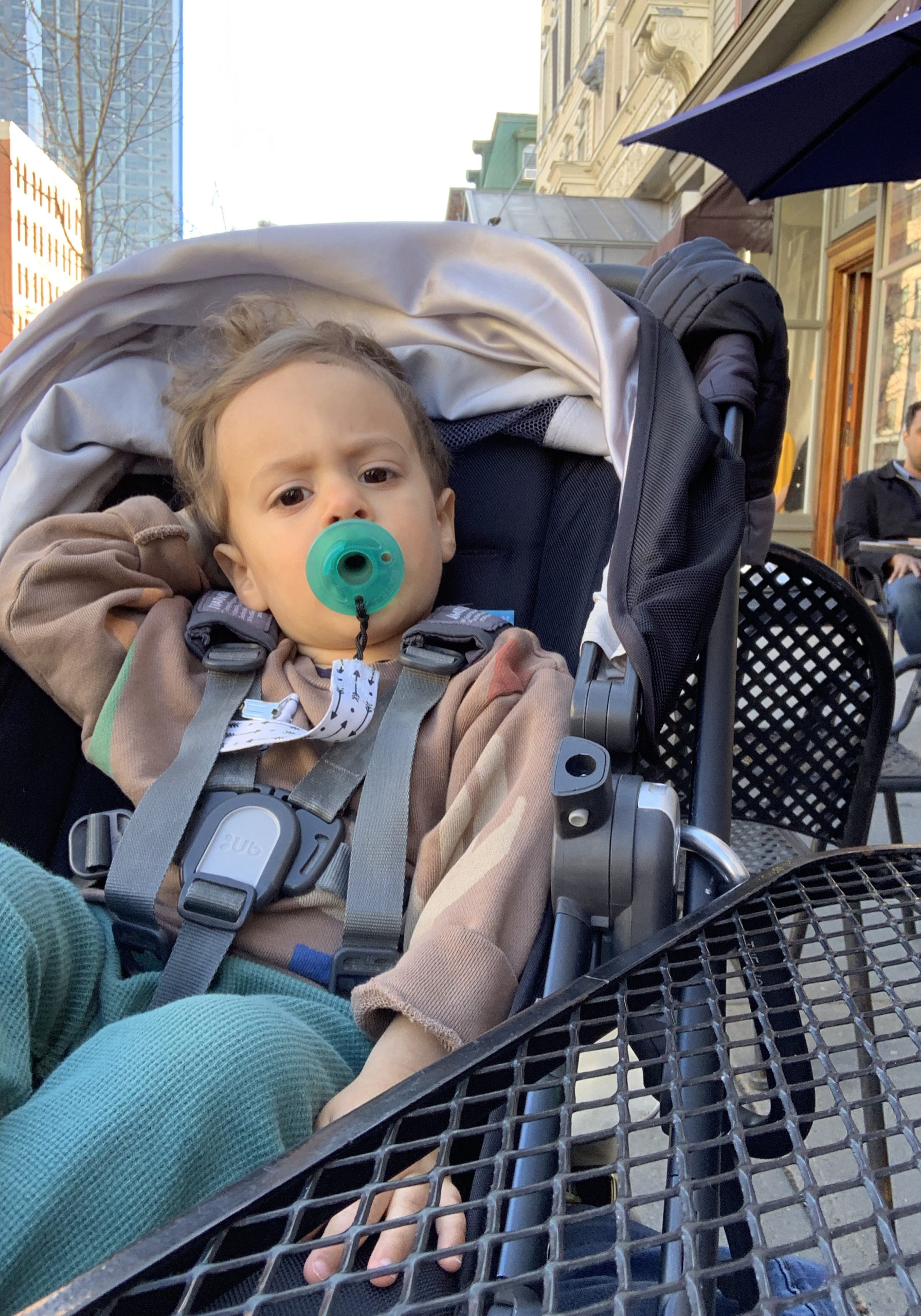 How we weaned our toddler off the pacifier