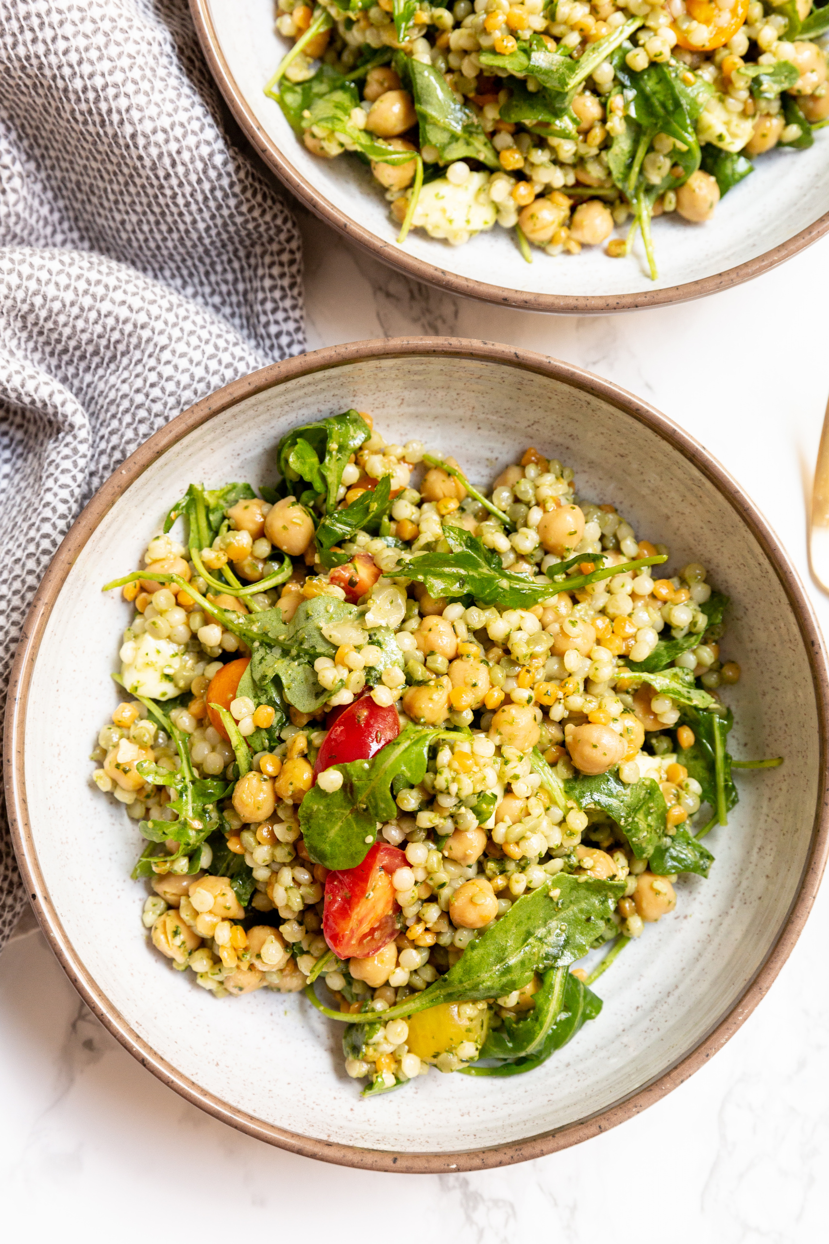 Pesto Caprese Couscous Salad with Chickpeas